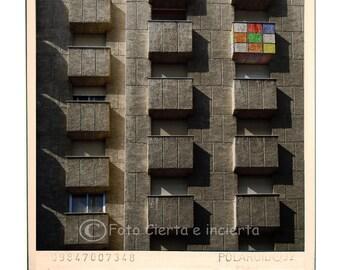 Rubik House(Fine art photography, cubo de Rubik, graffiti, street art, polaroid, edificio, arquitectura, balcón, España, casa)