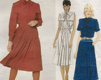 """A Sleeveless/Short/Long Sleeve, Straight Pleated, Large Square Collar, Front Zip Dress Pattern for Women: Size 10, Bust 32-1/2"""" • Vogue 2838"""