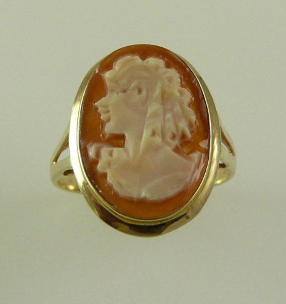 Cameo 12 x 16mm Ring 14k Yellow Gold