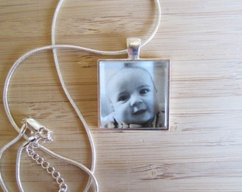 Personalized / custom PHOTO necklace Christmas gift for MOM, GRANDMA, or-new moms, baby gift, newlyweds, pets, remembrance jewelry