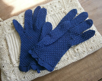 Vintage Crocheted Gloves, Blue Wrist Length Cotton Gloves, 1950's Stretch Gloves Fits Sizes Small to Large
