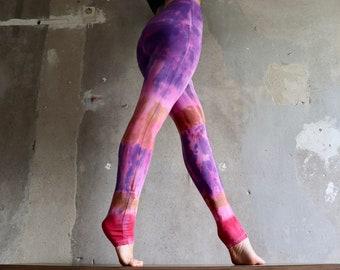 Purple leggings, Gr. s, tie dye, trousers, Yogapants, yoga leggings, festival wear, batik
