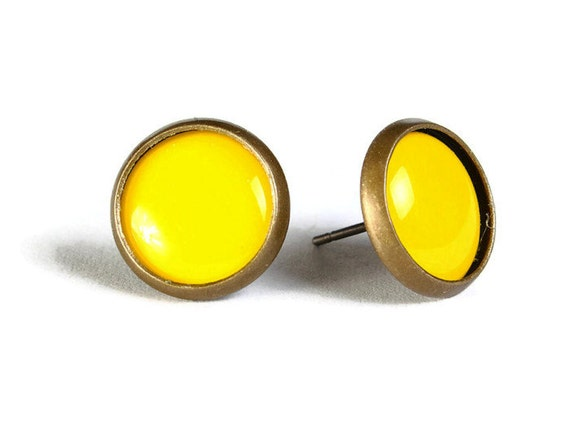 Yellow hypoallergenic stud earrings (508)