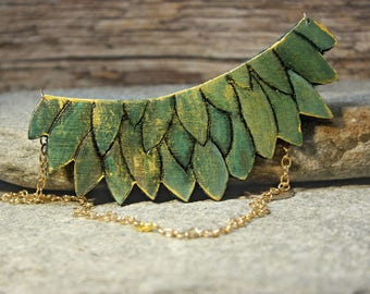 Olive green leaf necklace.Statement necklace.Boho bib necklace.Bohemian necklace.Green gold necklace.Hand-painted.Wood necklace.Medium size.