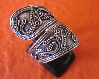 Balinese Sterling Silver granulation technique ring / silver 925 / Bali handmade jewelry / Size: 8 Ready to Ship / (#94m)