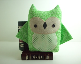 Owl pillow pal in green