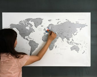 Scratch-off World Map Poster Silver Gold