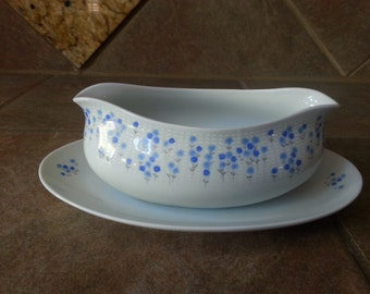 Sheffield Fine China Gravy Boat with Attached Underplate, Rhapsody, 503 Pattern, Excellent Condition