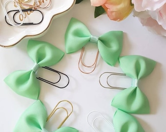 Pistachio green bow paperclip