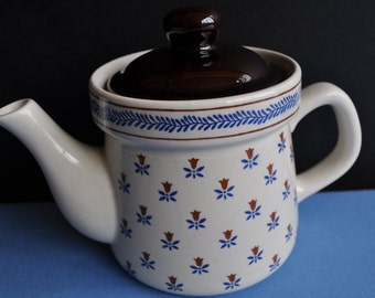 """Pretty Sanyei """"Country Field"""" Covered Porcelain Pot"""