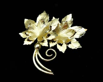 Vintage Signed CORO Gold Leaf Brooch, Coro Brooch, Coro Jewelry, Gold Leaf Brooch, Leaf Brooch, Gold Brooch, Leaf Jewelry
