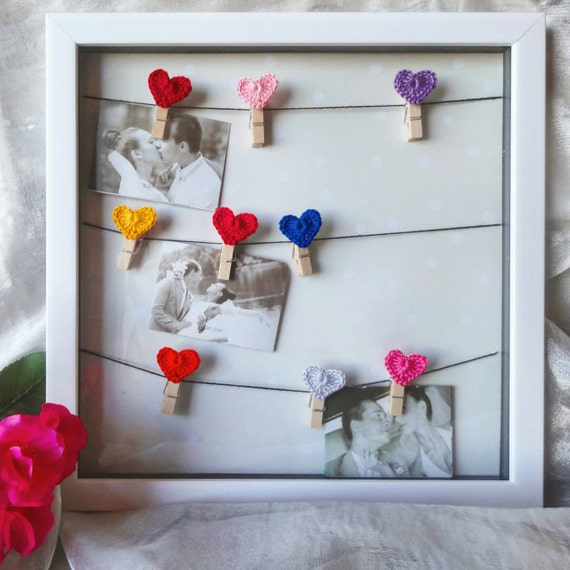 Romantic picture board - heart crochet pictures frame - clothespins ...