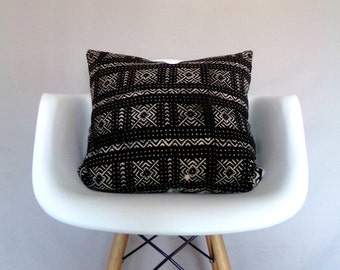 Black Mudcloth Pillow Cover / African Mud Cloth Black Cream Ethnic Traditional Modern Boho Neutral Bedding Accent Lumbar Euro Various Sizes