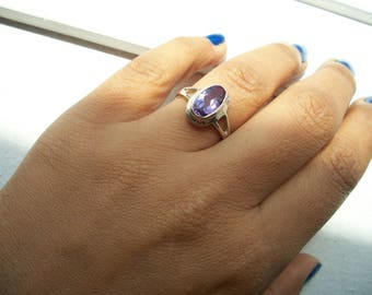 Delicate 925 Sterling Silver with Genuine Amethyst Oval Detail.