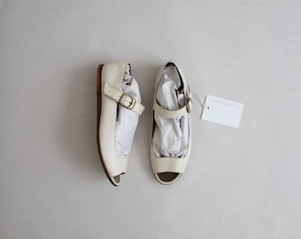 cream leather flats | size 7.5 flats | mary jane flats