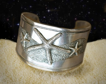 Starfish cuff bracelet in pewter