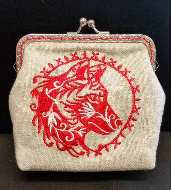 CP558. Coin purse with Wild wolf design.