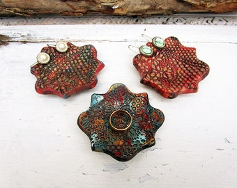 Set of 3 Ceramic Ring Holder Dishes, Handmade Pottery Lace Pattern Jewelry Plates, Small Ring Storage, Ready to Ship.
