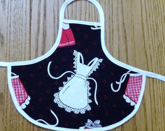 Bottle Apron in Apron Print from The Farmer's Daughter