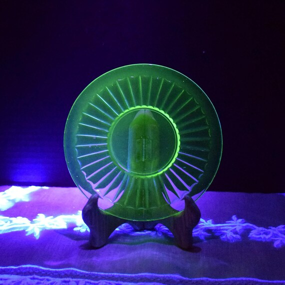 Vaseline Glass Saucer Set of 4 Vintage Green Depression Glass Bread Butter Plates Uranium Salad Plate Set 4 Ribbon Block Optic