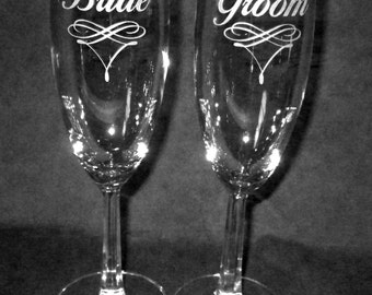 Pair of Wedding Flutes Champagne Flutes Bride Groom Personalized Flutes