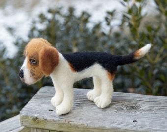 Wool Felted Animals FREE SHIPPING Custom Pet Portrait, Needle Felted Soft Sculpture Dog Foxhound
