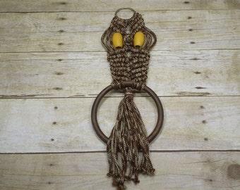 Macrame Owl, 1970s, vintage wall hanging