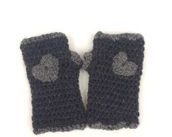 Crochet fingerless gloves for girls