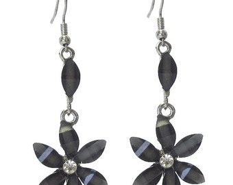 Facet stone flower dangle earring