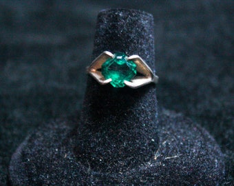 Simulated Emerald Ring 925