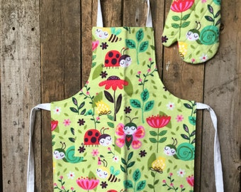 Child's Apron and Oven Mitt - check measurements size: 1-3, Lady Bugs