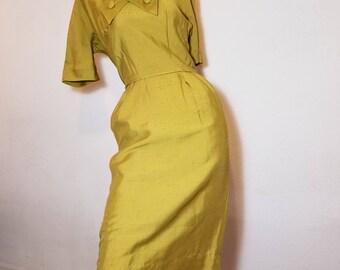 FREE  SHIPPING    1950 Silk Hourglass  DRESS