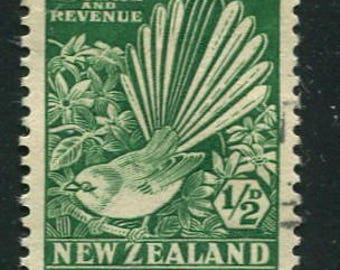 Bird Stamps Of New Zealand /50 Pied Fantail Bird Stamps Used/Vintage Stamps Issued In 1935