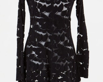 Lace dress in cotton mix fabric lace with scallop edging on hem, sleeves and neckline