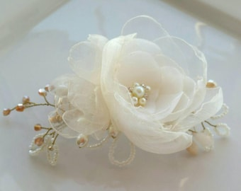 Ivory and gold floral hair comb bridal hairpiece