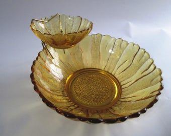 Vintage Anchor Hocking Country Estate Chip & Dip Set, 3-Piece Honey Gold Chip Dip Set, Sunflower Shaped Chip and Dip Bowls w/ Brass Frame
