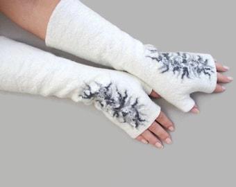 Felted white grey fingerless gloves, wool hand warmers, fingerless mittens, wrist warmers, winter fall spring gloves, gift for her