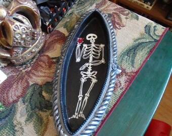 Skeleton Dish