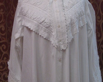 "1870's, 36"" bust, white cotton full length cotton night dress"