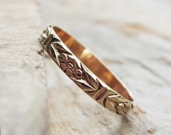 Solid 14k Yellow Gold Chevron Leaf and Posy Detail Wedding Band or Stacking Ring - Floral Patterned Gold Band, High Polish or Matte Finish
