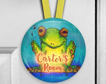 Personalized frog decor door hanger name sign - bedroom name plate for kids room - HAN-PERS-36