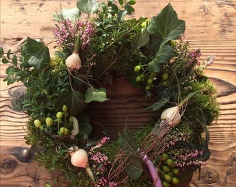 Spring Wreath with flower bulbs