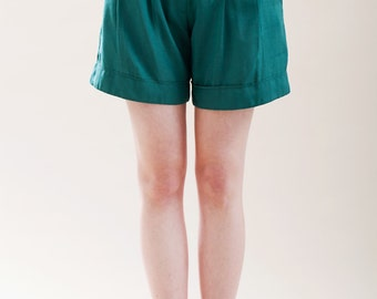 Womens shorts, green shorts, High waisted shorts, Summer shorts, vintage inspired, green pants, womens pants, green pants, elegant shorts