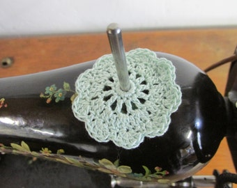 "FLAT Spool Pin Doily (2.0"") - MINT"