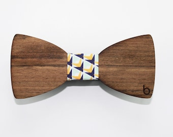 Wooden bow tie with PrismPine fabric