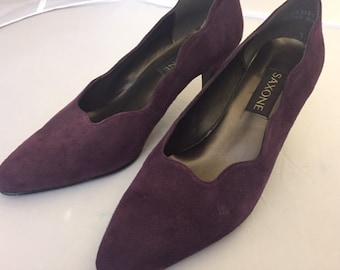 Ladies vintage suede Saxone shoes size 6