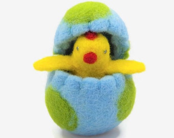 Needle Felted Easter Chick in an Easter Egg, Easter Decoration, Surprise Egg, Felt Toy, Waldorf Toy