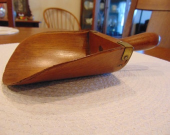 Antique Wood Scoop with Patent Date of Dec. 4 1877 (free shipping)