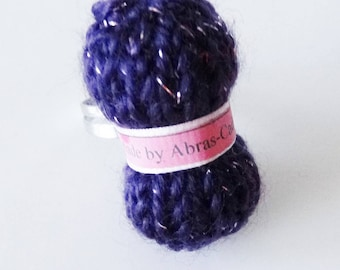 Ring of bright purple yarn (customizable)