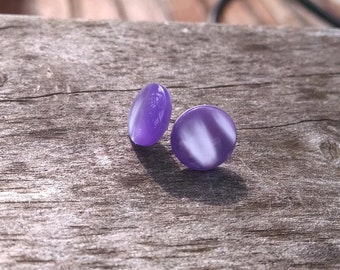 Purple Shell Button Earrings, Pearl-Finish Purple Button Stud Earrings Minimalist Purple Earrings